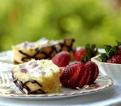 Ricotta-White Chocolate- Strawberry Roulade (Vita Arina) Tags: food cakes fruit nikon d70 chocolate strawberries desserts ricotta roulade bokehsonicejuly bokehsonicejuly12