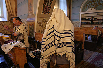 Jewish prayer in Georgia