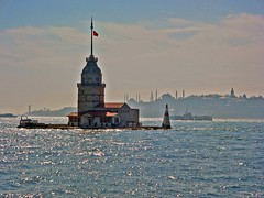 Madien's tower and Istanbul's silhuette 1 (derya_t) Tags: tower turkey europe trkiye istanbul bosphorus maidens kz kulesi fotorafkraathanesi