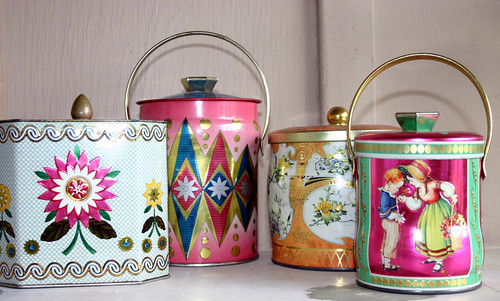 These are a few of my favorite Tins.........