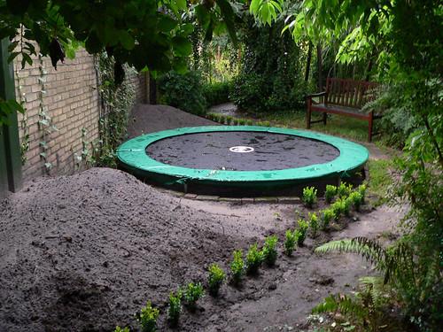 trampoline tuin ingegraven