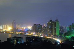 Zhuhai - Gongbei at night (cnmark) Tags: china light night landscape geotagged noche nikon traffic nacht scenic lovers trail guangdong noite  d100 avenue nuit notte zhuhai nachtaufnahme gongbei   10faves allrightsreserved  geo:lat=22239854 geo:lon=113571618 oltusfotos topolbellezas ringexcellence dblringexcellence tplringexcellence rememberthatmomentlevel1 rememberthatmomentlevel2 rememberthatmomentlevel3