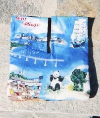 http://woofnanny.blogspot.com/ (africankelli) Tags: world its sewing swap wristlet