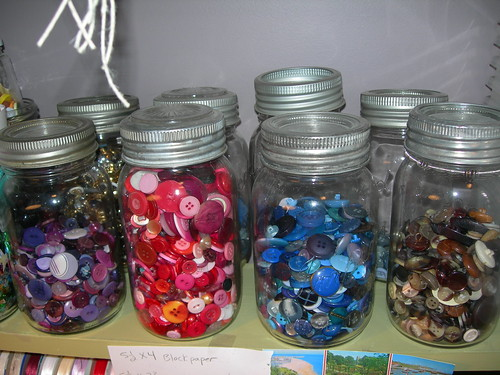 jars-o-buttons