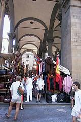 Tourist traps abound in Firenze