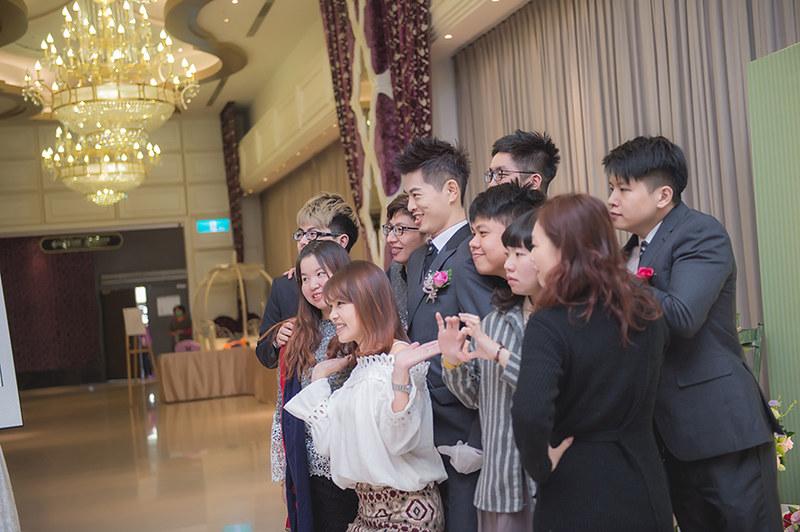 [台中婚攝] 軒廣 & 家琪 / 潮港城國際美食館