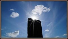 Stone, Sun, Sky (tor-falke) Tags: sky sun stone clouds scotland flickr sony himmel wolken dslr nuages sonne blauerhimmel sonnenstrahlen schottland sonyalpha alpha58 torfalke flickrtorfalke schottlandreise2015