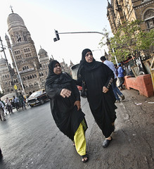 HL8A1946 (deepchi1) Tags: india muslim hijab bombay mumbai niqab