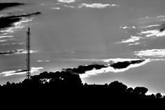 Resplandor (@jtares) Tags: sunset sky nikon cielo puestadesol nikkor puesta 18200 tarragona d90 segurdecalafell