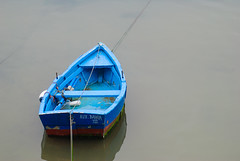 Auxiliar Bahia (Oscar F. Hevia) Tags: espaa tin boat spain barca barco ship gig asturias vessel luanco launch fishingboat canister dinghy lancha bote asturies embarcacin ofh principadodeasturias lluanco botedepesca boteauxiliar auxiliarbahia