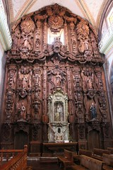 Ornate Wooden Altarpiece, Parish of Our Lady of Sorrows, Dolores Hidalgo, Mexico (Bencito the Traveller) Tags: mexico wooden doloreshidalgo altarpiece parishofourladyofsorrows