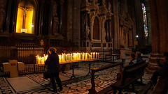 Inside the Duomo, Milano, 20090427 (G · RTM) Tags: milano duomo cathedral light candle