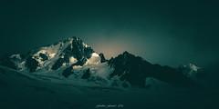 Green Glow on the Peaks (Frédéric Fossard) Tags: paysage nature montagne panorama monochrome vert grain texture lumière lueur ombre soir atmosphère chardonnet glacier neige alpes hautesavoie massifdumontblanc glacierdutour sérac cime crête arête facenord crépuscule breathtakinglandscapes ngc