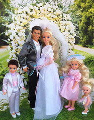 Dream Wedding Barbie (alenamorimo) Tags: barbie barbiebride 1993 dreamweddingbarbie dolls bridebarbie