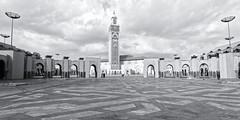Casablanca (Moroco) (L'Abominable Homme de Rires) Tags: casablanca maroc moroco mosquée noiretblanc nb blackwhite canon eos5dmarkiii hassanii