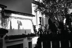 Jueves Santo, Ayamonte, 2016 (Matías Brëa) Tags: semanasanta religion ayamonte blancoynegro social documentalismo sombra