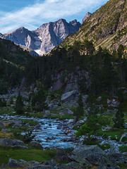 Lac de Gaube (Manolo Moliner) Tags: walking lago lac pyrénées pirineos randonnée midipyrénées hautespyrénées vignemale pirineocentral massifduvignemale