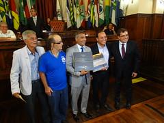 Senador Romário recebe homenagem da Apae