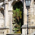 München - Friedensengel (04) - Stützmauer mit Brunnenanlage thumbnail