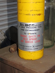 Castle Collectables - Halon (BCF) Fire Extinguisher (RS 1990) Tags: adelaide southaustralia wednesday 4th january 2017 castlecollectables edwardstown halon bcf fireextinguisher yellow bromochlorodifluoromethane