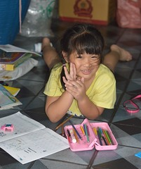 girl on the floor (the foreign photographer - ฝรั่งถ่) Tags: aug152015nikon girl child floor colored pencils workbook khlong thanon portraits bangkhen bangkok thailand nikon d3200