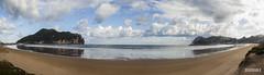 Bahía de Laredo (Panorámica) (Wilhelm X Photography) Tags: mar olas viento lluvia galerna playa norte cantábrico frío sea waves wind rain gale beach north cantabrian cold cantabria contraluz bruma panorámica panoramic panorama