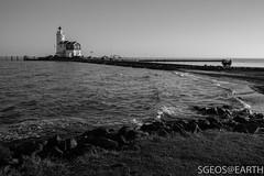 20170121-IMG_2480 (SGEOS@EARTH) Tags: marken schiereiland holland water lighttower canon sun winter blackwhite