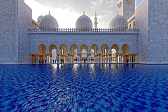 Sheikh-Zayed-Mosque (T.Seifer : )) Tags: travel tourism architektur architecture building abu dhabi mosque moschee uae weitwinkel outdoors grand islamic d610 nikkor 1635 beautiful sheikh zayed united arab emirates blue cityscape fx gebäude photography reisefotografie