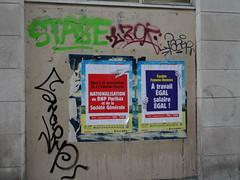 Graffitis & affiches politiques (Jeanne Menjoulet) Tags: graffitis pcf affiches politiques nationalisation féminisme banques spéculation évasionfiscale travailégal salaireégal égalité particommuniste paris graffs