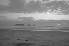 Les Medes en blanc i negre (ouyea...) Tags: illesmedes illes empordà catalunya catalonia bw bn baixempordà beach lestartit fujifilm fujifilmxt2 fujinon fujinon1855