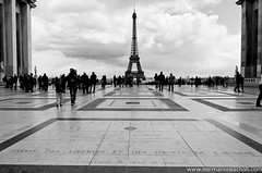 la Tour Eiffel depuis le Trocadéro - Paris, France (Keystone Photography) Tags: urban blackandwhite holiday paris france lines architecture europe geometry patterns eiffeltower shapes landmark tourist keystone trocadero pentaxk5 repacholi