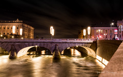 Norrbro (Raph/D) Tags: norrbro arch bridge pont stone central stockholm sweden suede swedish europe north northern city capital town ville urban night shot long exposure water river flow light lightroom canon eos 7d mark ii canoneos7dmarkii l series lseries 2470mm ef2470mmf28liiusm royal palace helgeandsholmen riksdag building landmark architecture nuit winter hiver travel