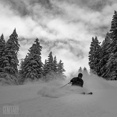 powder laber turn (genelabo) Tags: winter white snow schnee mountain berge bavaria bayern freeriden skiing snowboarden rot snowboarder laber bergbahn oberammergau oberammergauer alpen alps genelabo sony sport outdoor blackandwhite blackwhite sw bw monochrome schwarz weiss carré quadrat square