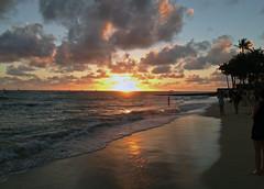 Waikiki - Beach at Sunset - 2017 (tonopah06) Tags: hawaii hi 2017 iphone image sunset royalhawaiian waikiki beach