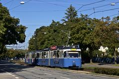 Anfahrt Tiroler Platz: P-Zug 2005/3039 in der Grnwalder Strae (Bild: Andy Paula) (Frederik Buchleitner) Tags: 2005 munich mnchen tram streetcar trambahn pwagen 3039 strasenbahn linie38 baustellenlinie ersatztram