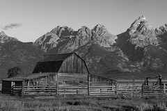 Mormon barn black and white (Wild4LifePhotos) Tags: bw grandtetons 2015 mormonbarn
