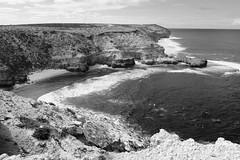 Elliston coastline (Con_Pyro) Tags: australia outback southaustralia arid fuij eyrepeninsula gawlerranges xpro1 conpyro