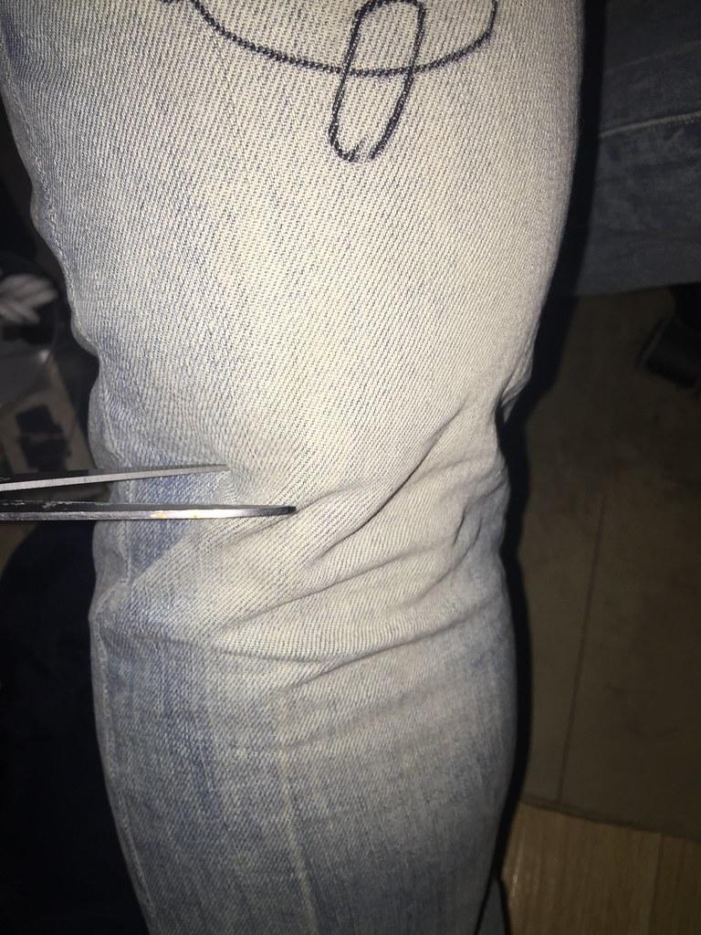 how to draw denim jeans