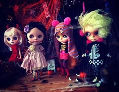 Ready or not, here we come 😈😈😈👻🎃  #boo #HalloweenFun #love #customblythe #lesjeunette #blythe #doll #カスタムブライス #レジュネット #ブライス #人形 #ハロウィン