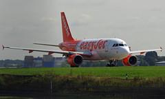 G-EZIW (a) 07/09/15 Gatwick EGKK (Lowflyer1948) Tags: airbus gatwick easyjet a319111 070915 geziw adjacenttwyj