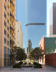 Courtyard, Los Angeles, California, USA (maxunterwegs) Tags: arranhacéu ca california eua estadosunidos gratteciel kalifornien la losangeles rascacielos skyscraper us usa unitedstates étatsunis