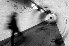 Under the river (RosLol) Tags: london londra roslol uk thames foot tunnel pedonale tamigi greenwich bw blackandwhite biancoenero monochrome people gente street