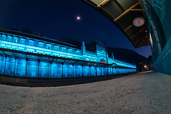 Estacion de Canfranc con iluminacion nocturna