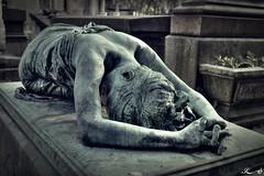 Cimetière de Montmartre 2589 (Sleeping Spirit) Tags: cimetière montmartre cemetary cemetaries