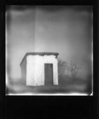 Abbandono (Valt3r Rav3ra - DEVOted!) Tags: polaroid polaroid600 instantfilm instantcamera instant valt3r valterravera impossible bw biancoenero blackandwhite house casa