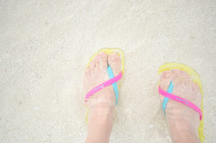 barefoot (maaco) Tags: ocean sea feet me water photoshop seaside nikon honeymoon sigma wave resort adobe fourseasons barefoot 1020mm maldives sandal lightroom baaatoll luxuryresort d7000 landaagiraavaru fourseasonsresortmaldivesatlandaagiraavaru