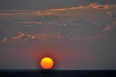Sol (Claudio Marcon) Tags: sunset sky sun sol céu abigfave