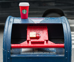 RED WHITE BLUE-BLUE WHITE RED (Tempesto) Tags: 5thavenue manhattan newyorkcity parade paris starbucksredcup veternsday veternsdayparadesecurity cups lockedmailbox security nikon d800
