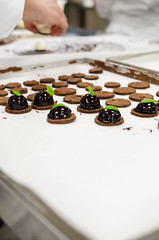 Pasticceria mignon (scuolatessieri) Tags: dessert cioccolato mignon pasticceria menta scuolatessieri