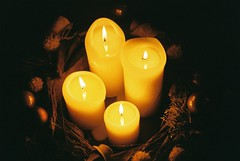Advent wreath I (falkschütze) Tags: minolta404si kodakgold200 istillshootfilm filmisnotdead adventwreath analog
